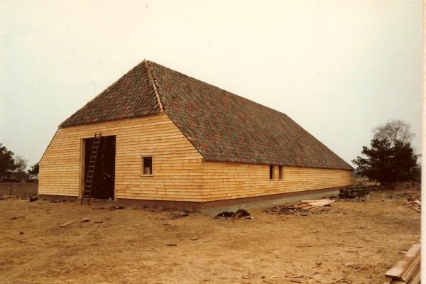 Kooi met dakpannen2